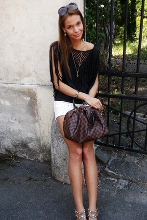 H&M shirt - Louis Vuitton bag - Zara shorts
