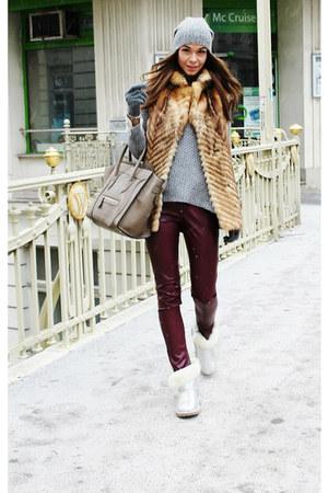 camel fur vintage vest - silver Ugg Australia boots - gray wool Zara sweater