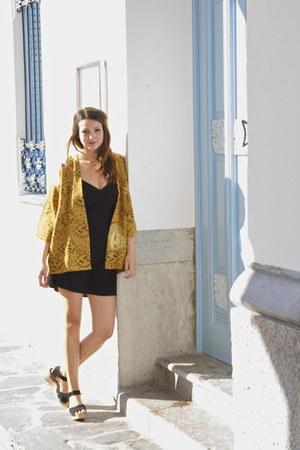 black short Mango dress - mustard kimono vintage blazer - black Topshop wedges