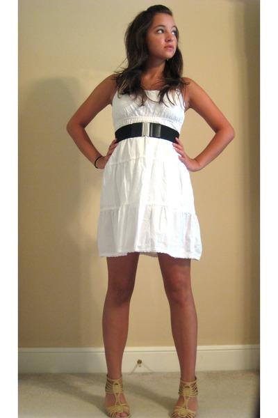 white dresses beige seychelles shoes black belts quot i am