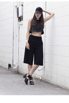 grid pattern American Apparel top - cutout Forever 21 shoes