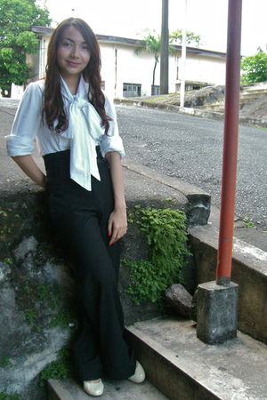 white thrifted blouse - black Mango pants - black Mango belt - white thrifted sh