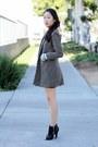 Brown-tweed-ralph-lauren-coat-black-pleather-forever-21-shorts