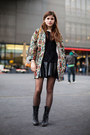 Black-lace-up-steve-madden-boots-black-knitted-sweater-black-leather-skirt