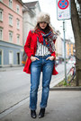 Blue-boyfriend-jeans-red-mango-coat-beige-faux-fur-hat