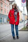 Red-mango-coat-blue-boyfriend-jeans-beige-faux-fur-hat