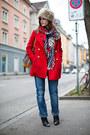 Red-mango-coat-blue-boyfriend-jeans-beige-faux-fur-hat