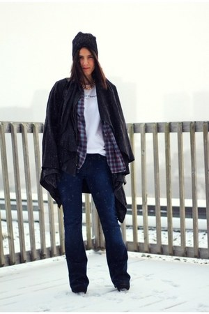 white cotton Zara t-shirt - dark gray waterfall vintage coat