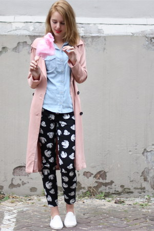 salmon trenchcoat pink Boohoo coat - cream flossy shoes - black Monki jeans