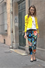 Yellow-vintage-blazer-black-floral-h-m-pants