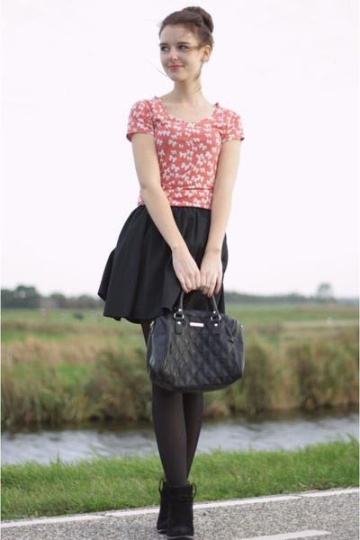 black suede Primark boots - black quilted Expresso bag