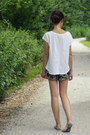 Black-mango-shorts-white-zara-top