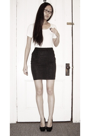white Uniqlo shirt - black H&amp;M skirt - black Steve Madden shoes