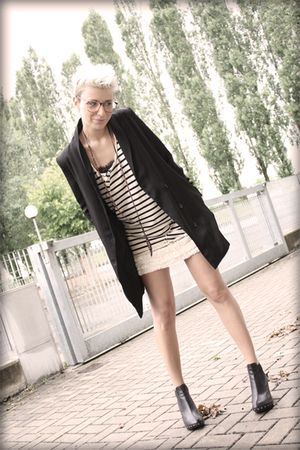 black H&M blazer - beige Topshop skirt - beige All Saints top - black Colours sh