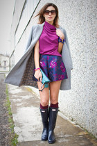 navy Hunter boots - heather gray Zara coat - magenta Nara Camicie shirt