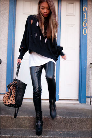 white cotton tank top wilfred t-shirt - black Din Sko boots - black JNBY sweater