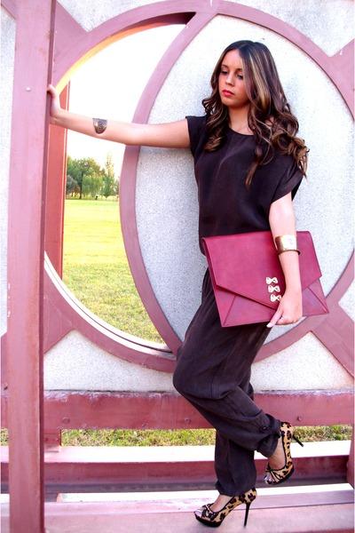 Uterqe bag - Zara heels - BLANCO pants