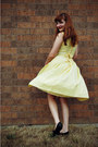 Black-target-shoes-light-yellow-vintage-dress