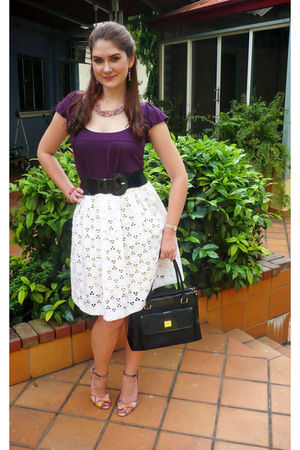 white skirt - purple top - black belt - black liz claiborne purse - purple Steve