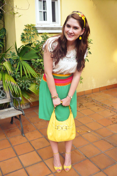white top - yellow wild diva shoes - green skirt - yellow XOXO purse