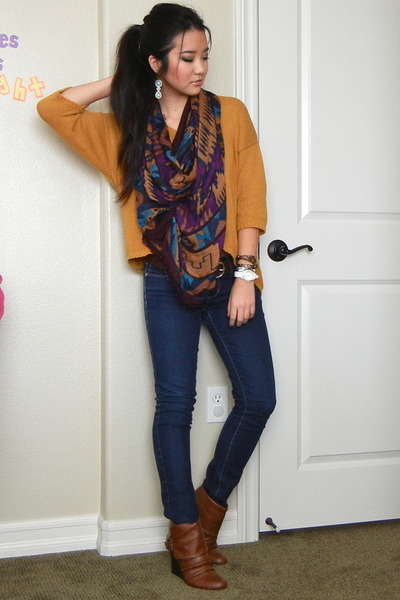 mustard cropped Urban Outfitters sweater