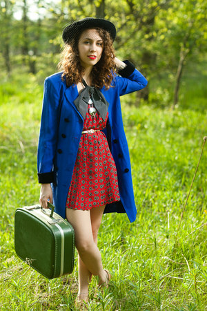 blue vintage blazer - olive green vintage suitcase bag - red vintage pleated ski
