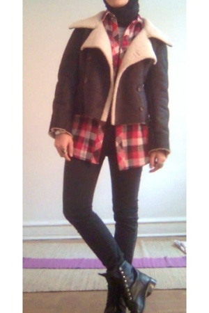 PowWow jacket - f21 shirt - H&M pants - Justin boots - vintage accessories