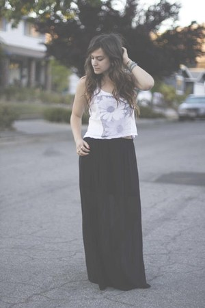 brandy melville top - Forever 21 skirt