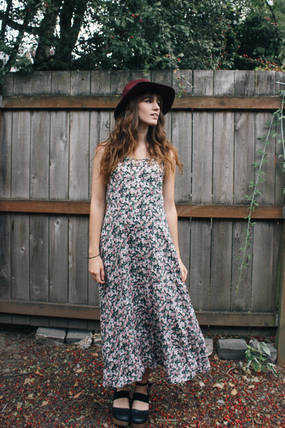 maroon hat - off white vintage dress - black clogs