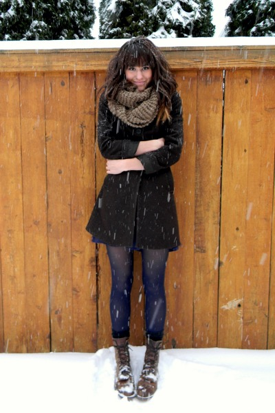 forest green thrifted coat - dark brown vintage boots - navy tights