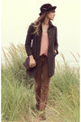 Dark-brown-vintage-stetson-hat-brown-free-people-pants-salmon-blouse