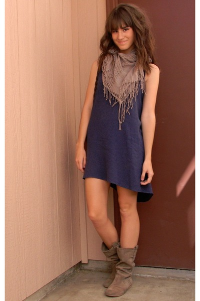 navy polka dot Gap dress - heather gray Forever 21 scarf