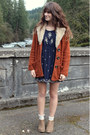 Light-brown-boots-navy-beaded-dress-burnt-orange-minkpink-coat-gold-ring