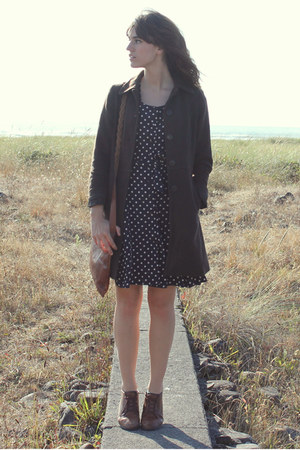 navy dress - brown vintage shoes - army green vintage coat