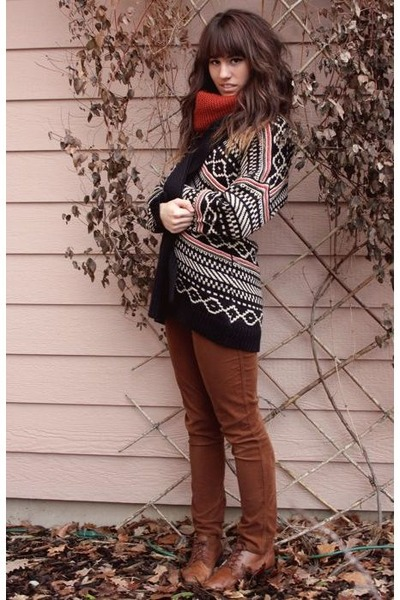 black navajo printed I heart ronson cardigan - burnt orange knitted H&M scarf