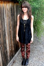 black velvet Forever 21 dress - crimson velvet MinkPink leggings