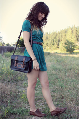 black bag - dark green polka dot dress - dark brown vintage belt