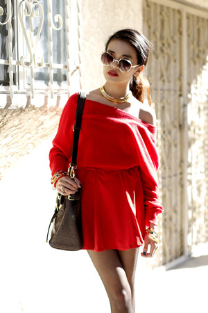 arelalizza sweater - Costume National boots - cynthia rowley bag