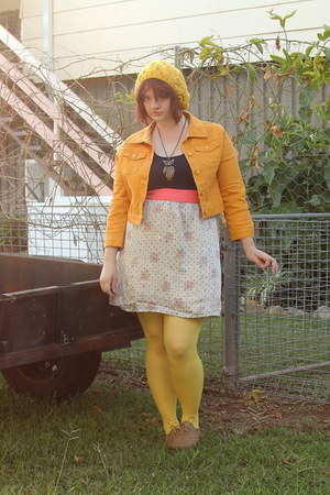 yellow sun stand in modcloth hat - brown Indy C shoes