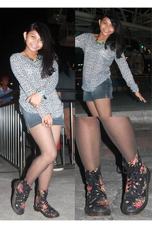 Forever 21 necklace - floral boots boots - shorts Mango shorts - top