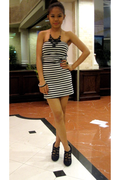 black Forever 21 accessories - black Shoedazzle shoes - Costa Blanca dress