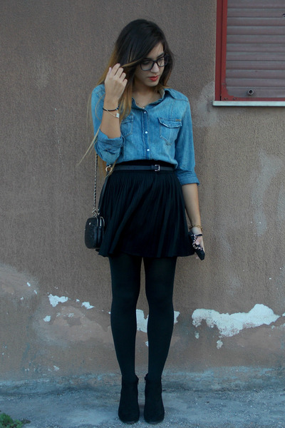black pull&bear boots - blue Guess shirt - black H&M tights
