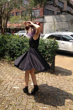 full circle vintage skirt - lace XXI top
