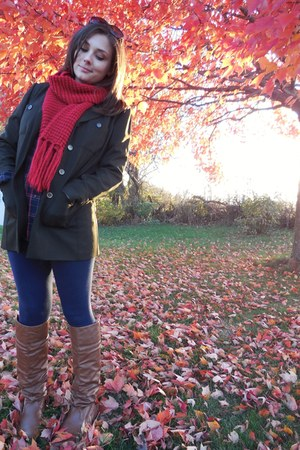 ruby red knit Forever 21 scarf - tawny DOTS boots - navy Forever 21 leggings
