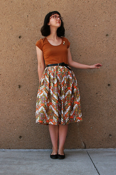 50s skirt - black ballet Old Navy flats - tawny Smart Set t-shirt - belt