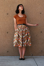 50s skirt - black ballet Old Navy flats - tawny Smart Set t-shirt - belt