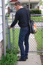 Leather-aldo-shoes-skinny-jeans-levi-authentics-signature-jeans-messenger-be