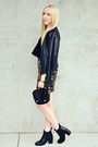 Black-cropped-t-shirt-boohoo-shirt-black-chelsea-boots-solective-shoes