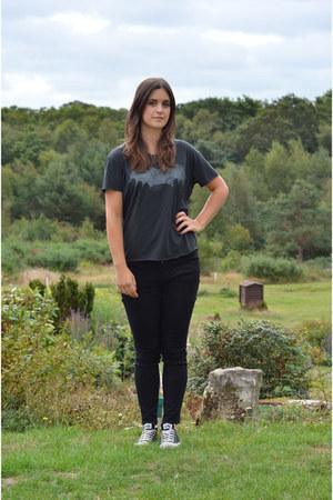 gray Zoe Karssen t-shirt - black Gap jeans - black Converse sneakers