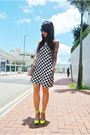Black-zara-dress-yellow-thrifed-heels